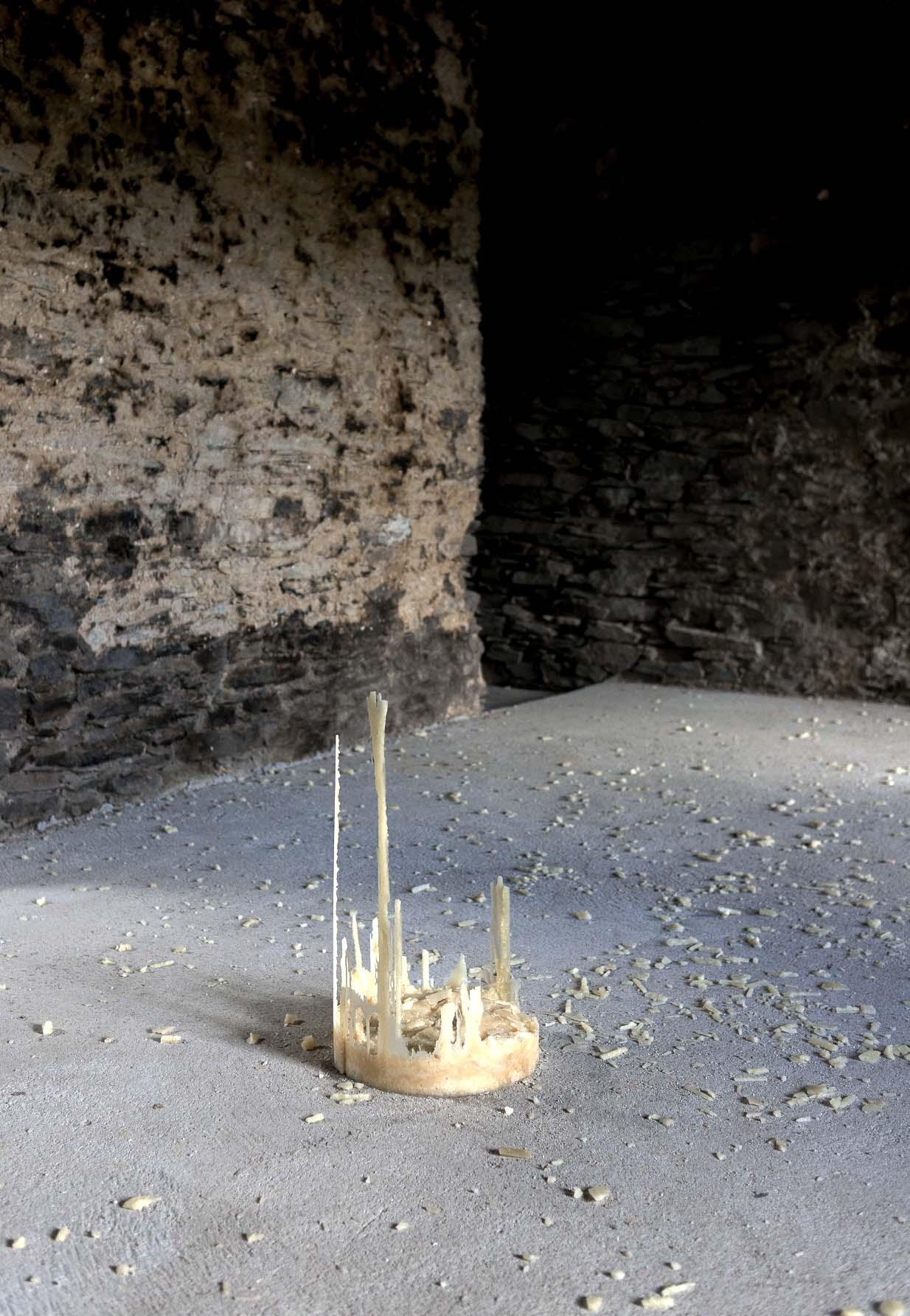 ondes-de-la-terre-hugo-bel-artiste-plasticien-sculpteur-photo-Lionel-Catelan